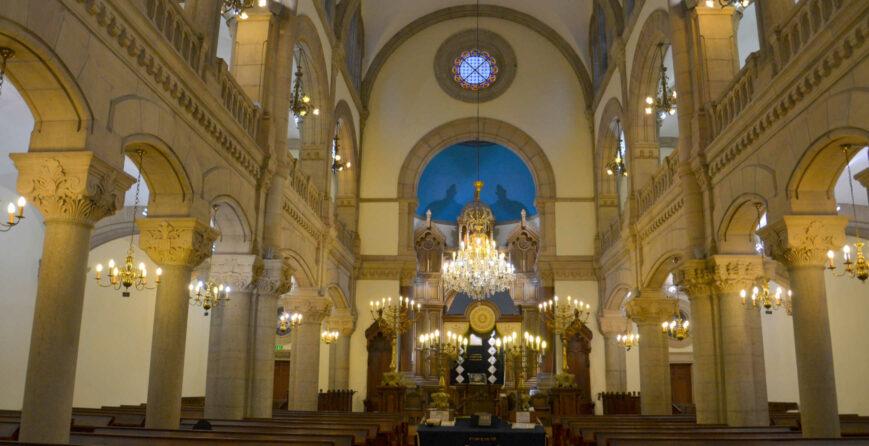 un-dimanche-apres-midi-a-la-synagogue